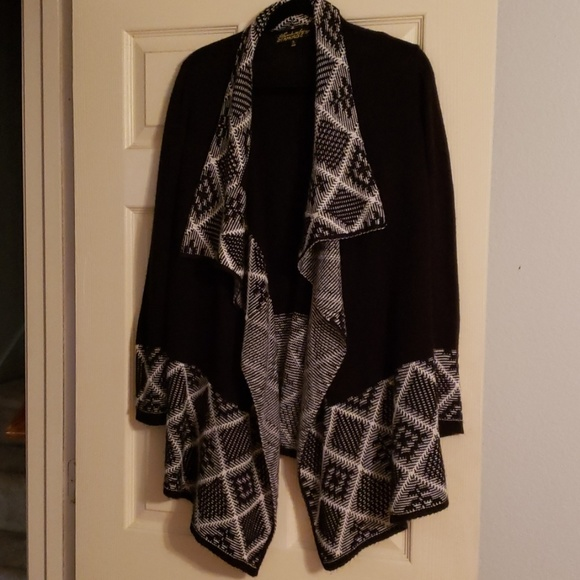 Sweaters - Cardigan black and white